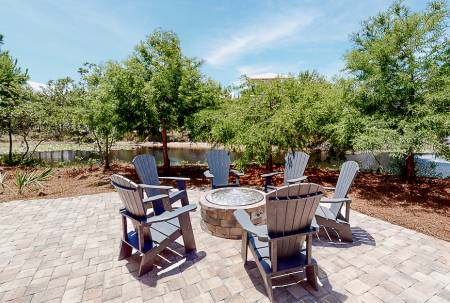santa rosa beach vacation rental with fire pit