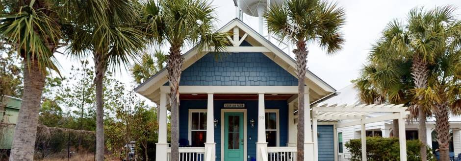 The exterior of a 30A vacation rental